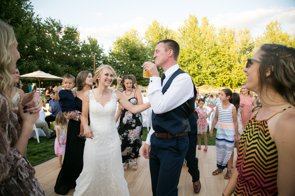 Oregon-Wedding-AtavistaFarm19_0157.jpg