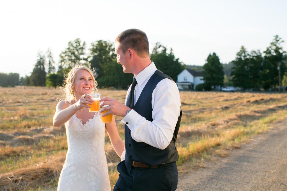 Oregon-Wedding-AtavistaFarm19_0161.jpg