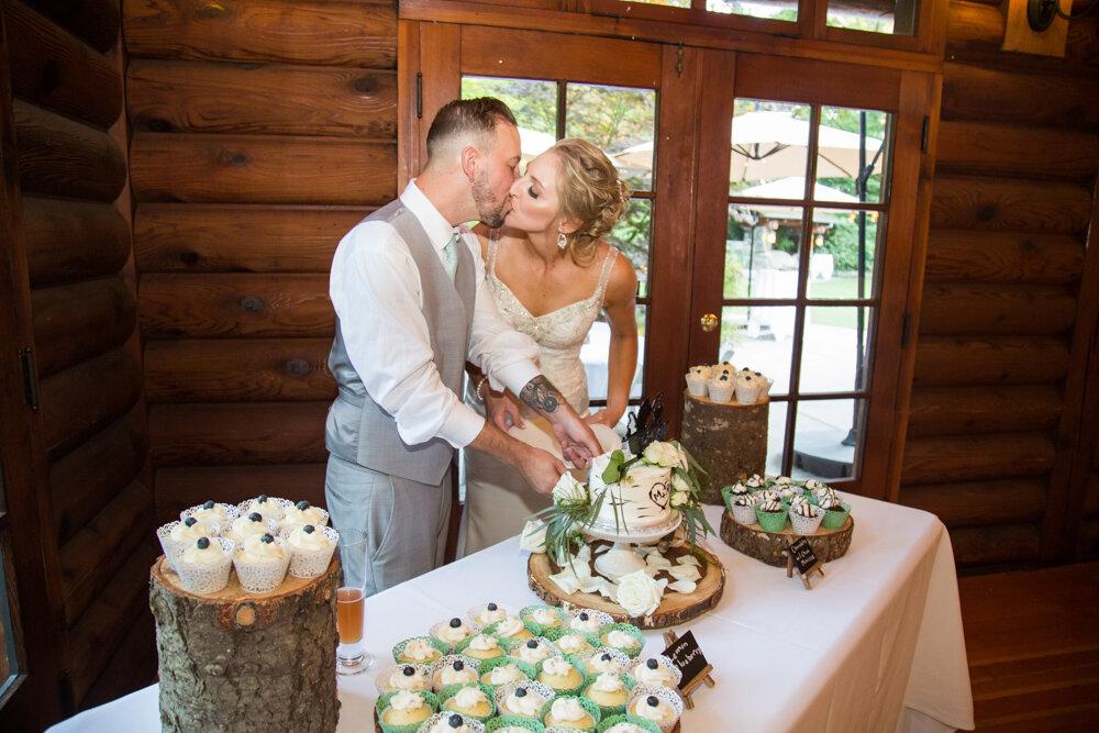 Summit-Grove-Lodge-Wedding-Photography-DanRice_070.jpg