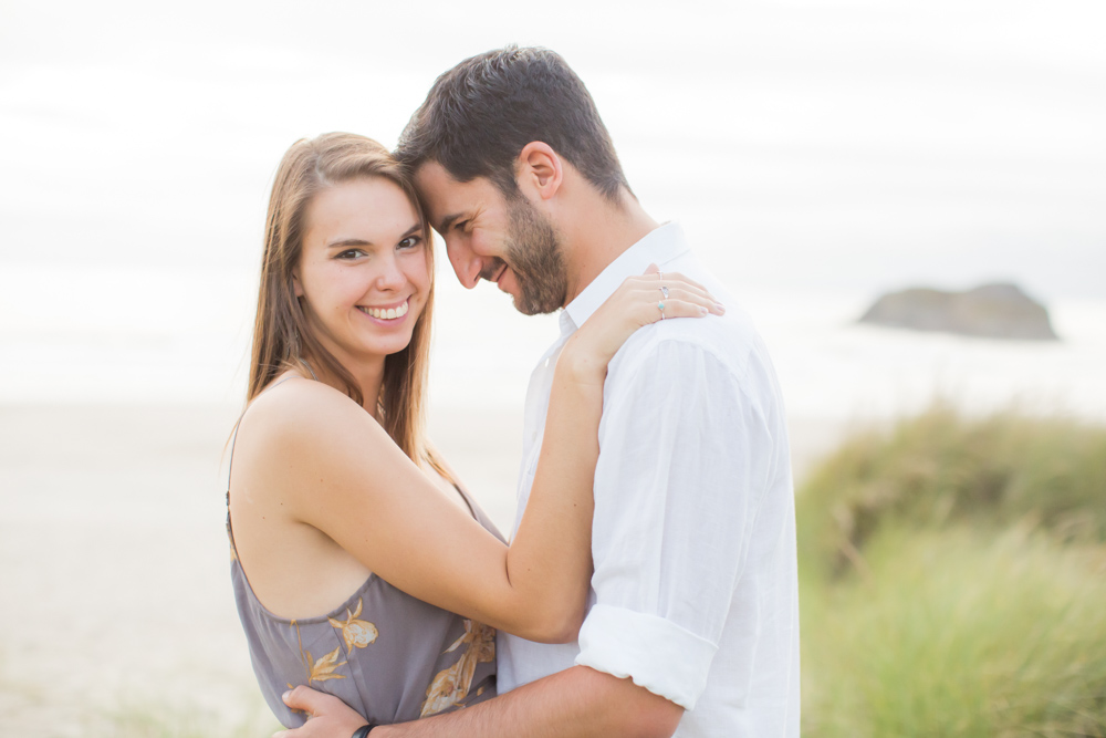 Cannon-Beach-Oregon-Engagement-DanRice_001.jpg