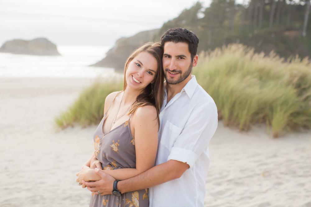 Cannon-Beach-Oregon-Engagement-DanRice_002.jpg