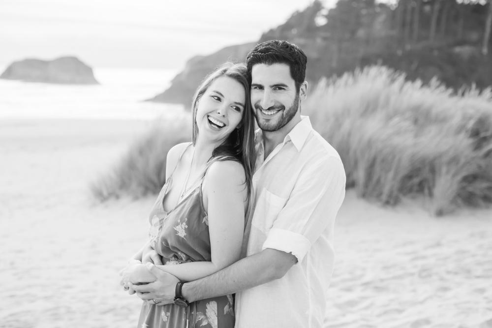 Cannon-Beach-Oregon-Engagement-DanRice_003.jpg