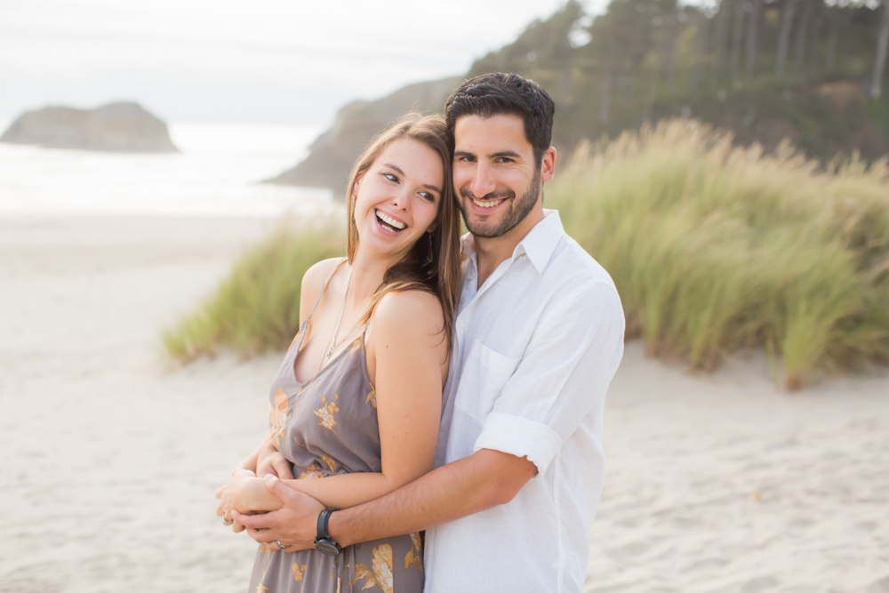 Cannon-Beach-Oregon-Engagement-DanRice_004.jpg