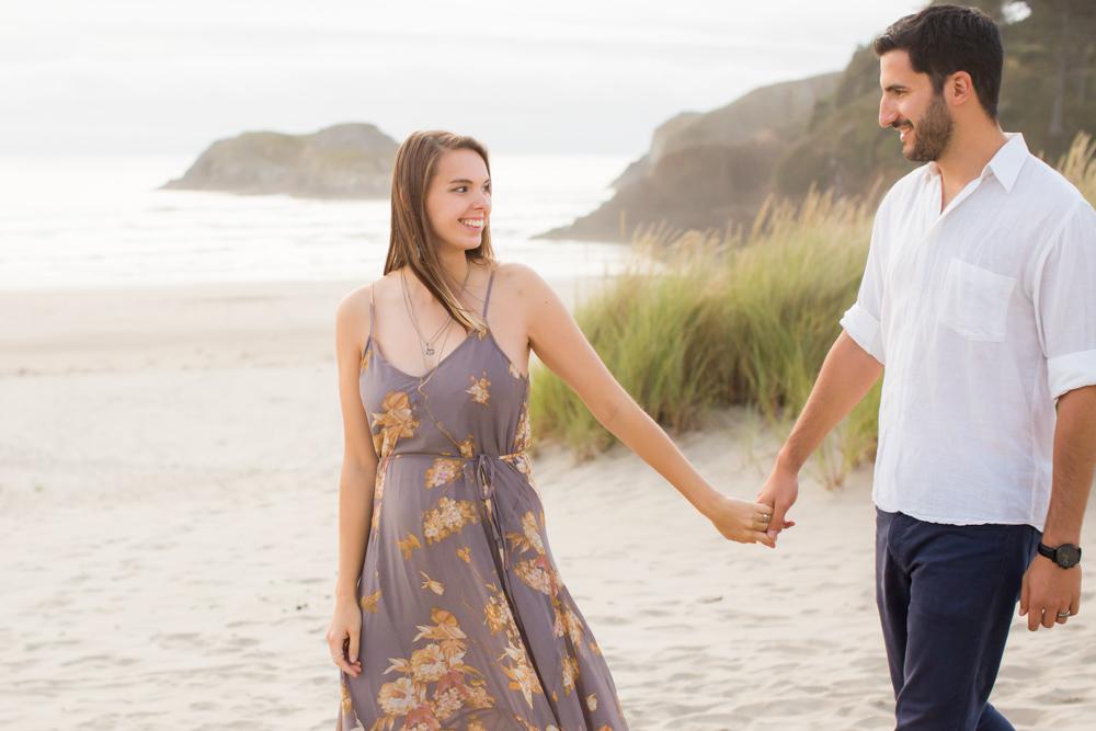 Cannon-Beach-Oregon-Engagement-DanRice_006.jpg