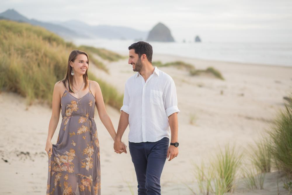 Cannon-Beach-Oregon-Engagement-DanRice_010.jpg