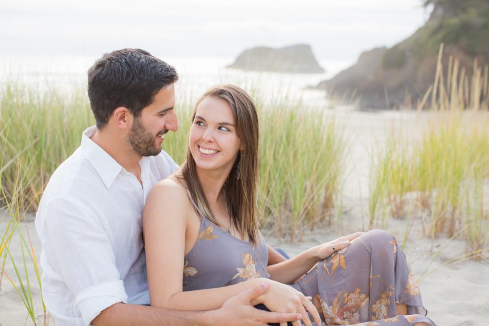 Cannon-Beach-Oregon-Engagement-DanRice_014.jpg