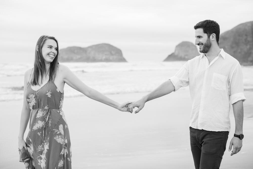 Cannon-Beach-Oregon-Engagement-DanRice_026.jpg