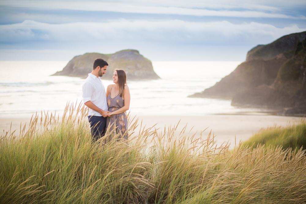 Cannon-Beach-Oregon-Engagement-DanRice_007.jpg