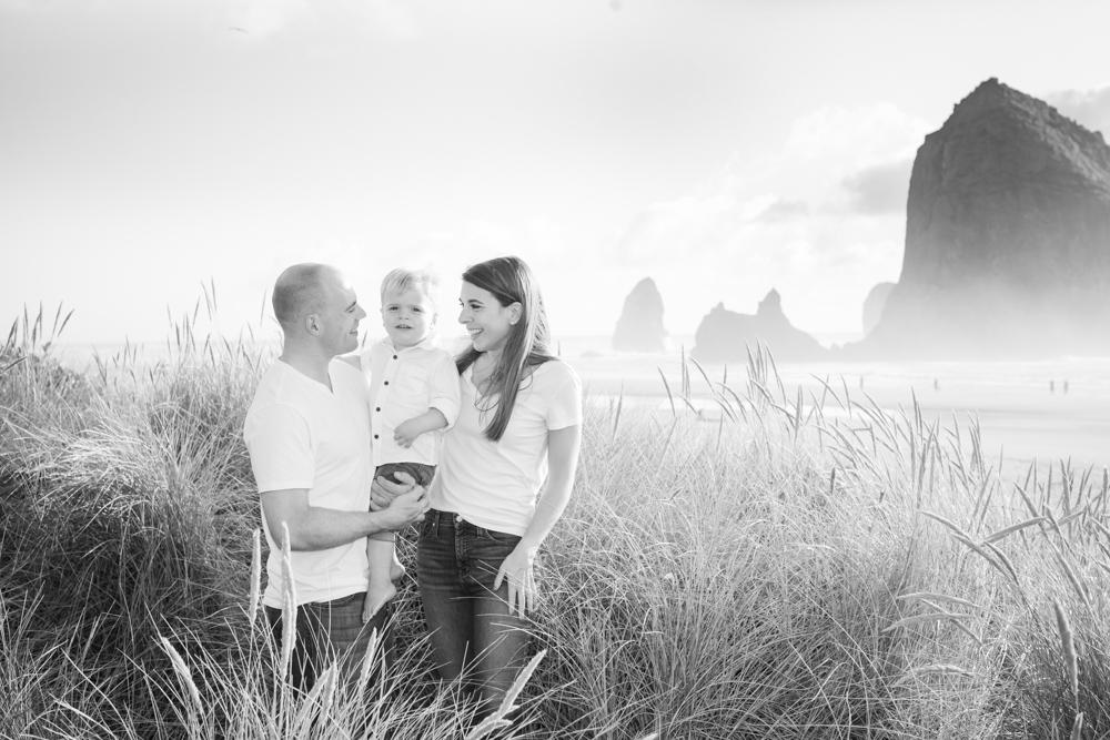 Cannon-Beach-Oregon-Family-Photographer-DanRice_001.jpg