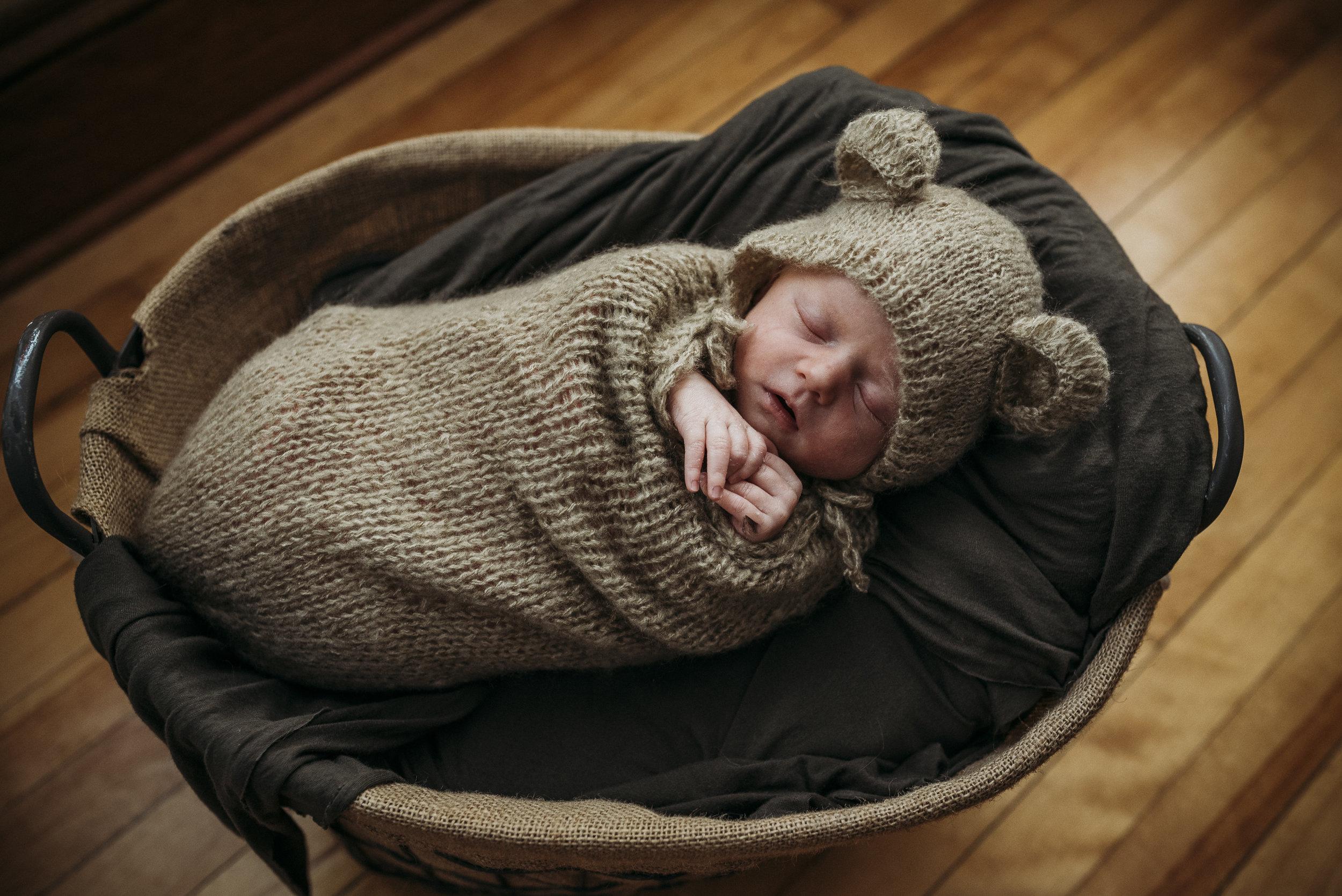 Maine newborn in home photography-11.jpg