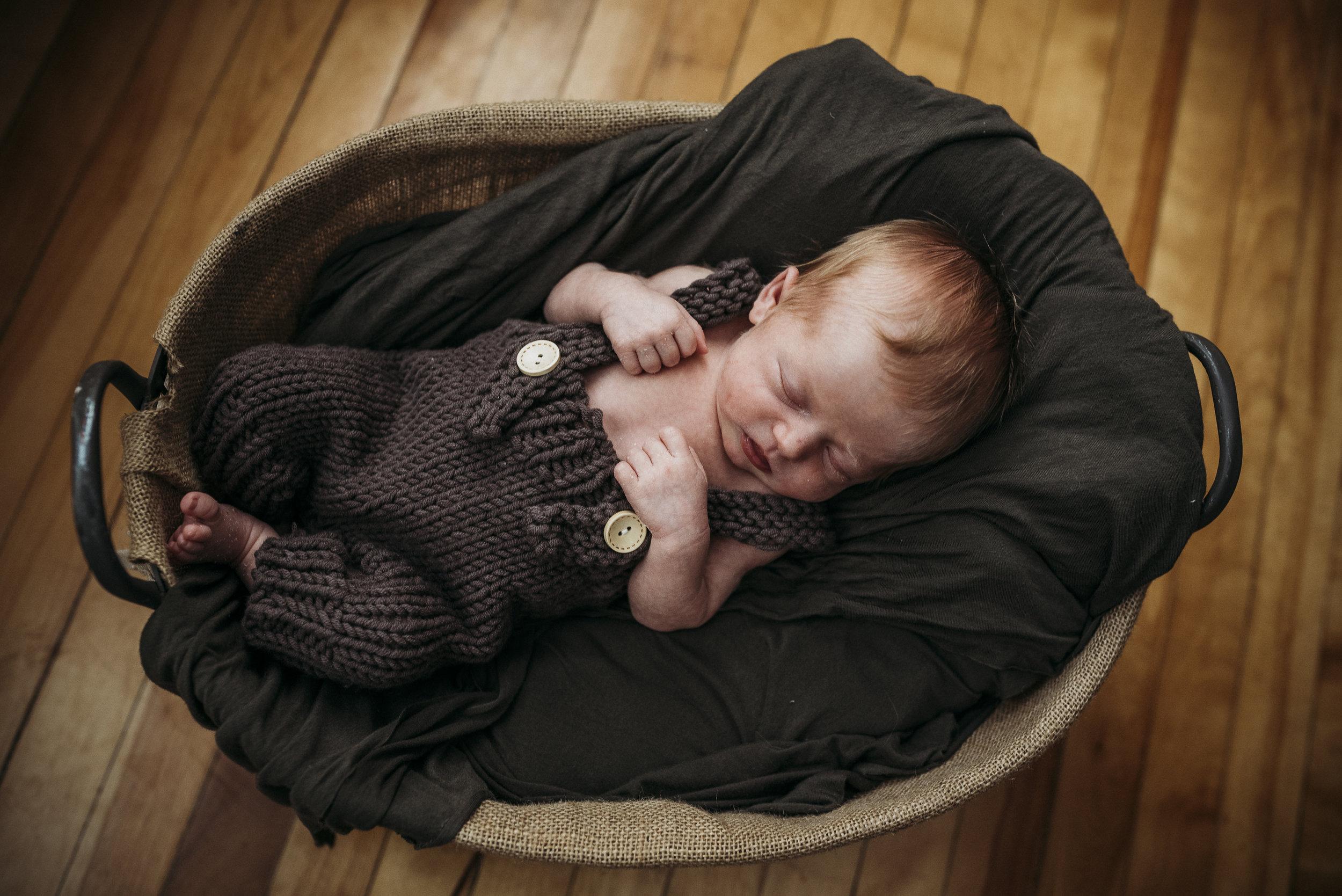 Maine newborn in home photography-13.jpg