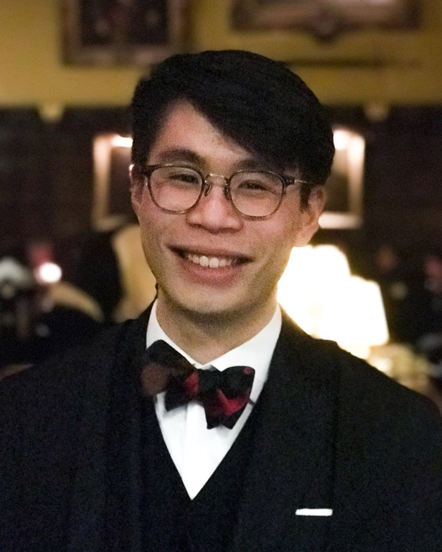 Michael Leong   Michael is a second-year PPEist at Oriel College. He rediscovered a love for investing at his first Alpha Fund meeting in HT18, when he heard a fund member's Naver pitch. Michael has interned at a Value Oriented EM Fund and a multi-family office fund of funds. He is an incoming summer analyst for Fixed Income at GIC, with rotations in Macro and Corporate Credit. Michael loves having conversations about what we value and why, and is passionate about mental health.