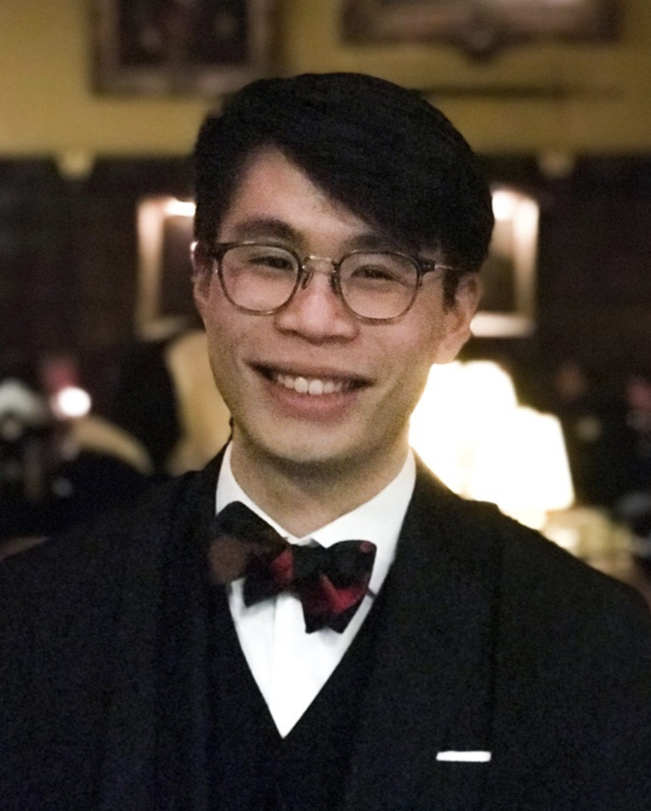 Michael Leong    Michael is a third-year PPEist at Oriel College. He rediscovered a love for investing at his first Alpha Fund meeting in HT18, when he heard a fund member's Naver pitch. Michael has interned at a Value Oriented EM Fund and a multi-family office fund of funds. Over the summer, he did an internship with GIC in Fixed Income, with rotations in Macro and Corporate Credit. Michael loves having conversations about what we value and why, and is passionate about mental health.