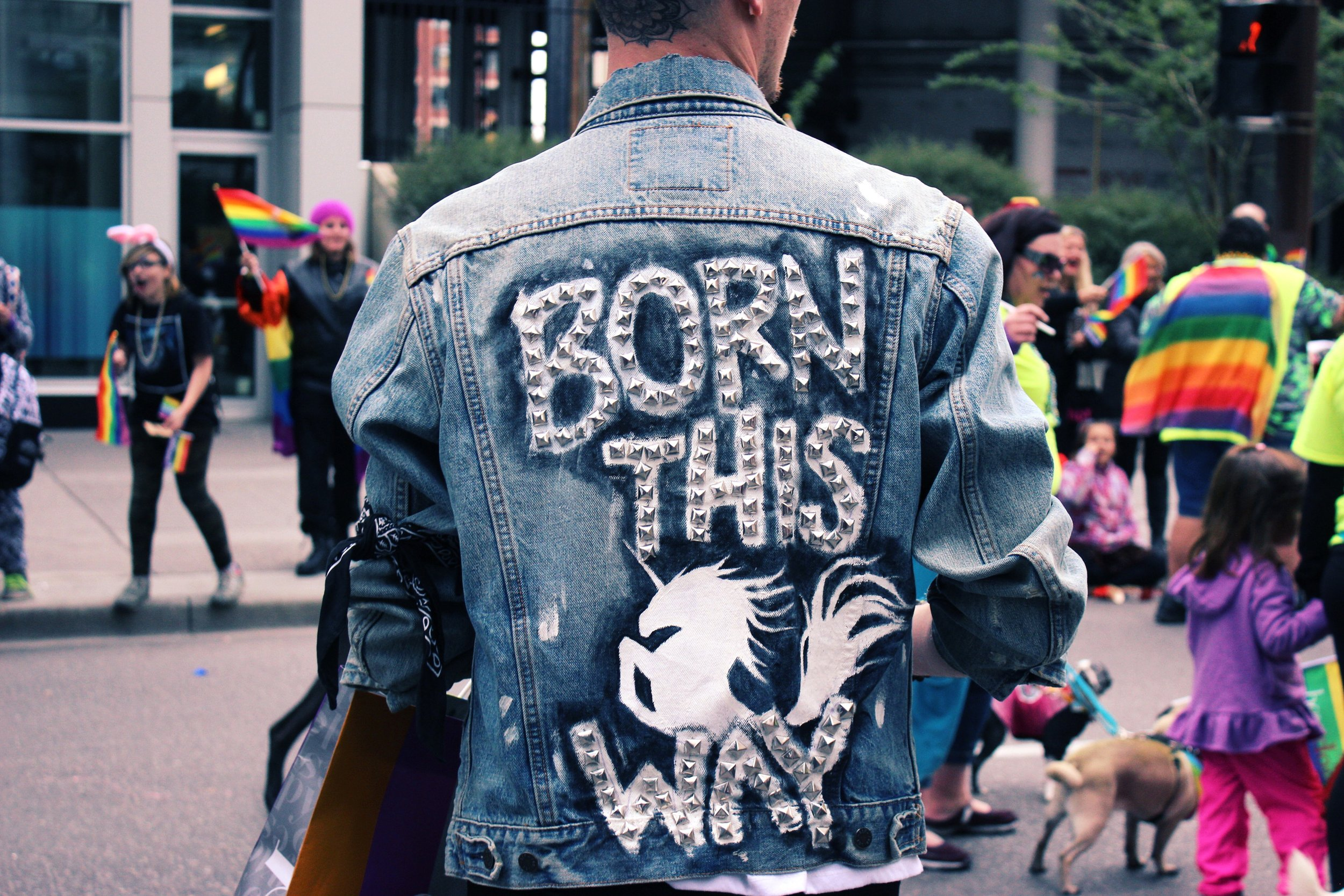 EPISODE 2:QUEERING LABELS - When are labels empowering? When are they Hurtful? should we even be using them? Listen in for a discussion on the label queer and what is has meant for Kama La Maquerel.