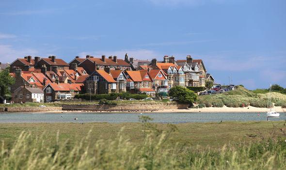 Alnmouth Village_shoreside