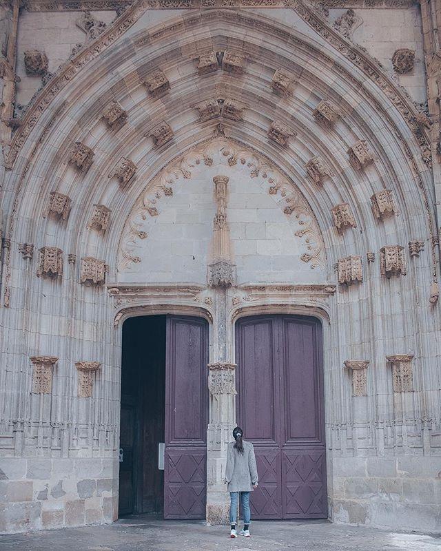 Just strolling the halls of Hogwarts, nbd. • • •  #traveldiary #traversefrance #findhomeonearth #exploretocreate #findhomeonearth #travelandlife #huntgram #worldplaces #instagood #travellershouts #worldtravelbook #dametraveler #radgirlslife #darlingescapes #sidewalkerdaily #wearetravelgirls #TLPicks #wonderful_places #orbitzpic #packedforgood #serialtraveler #travelerspath #openmyworld #workawayadventure #travellocal #treadedtravels #vagabondpix #travelblogger #worldnomads #theviralmix