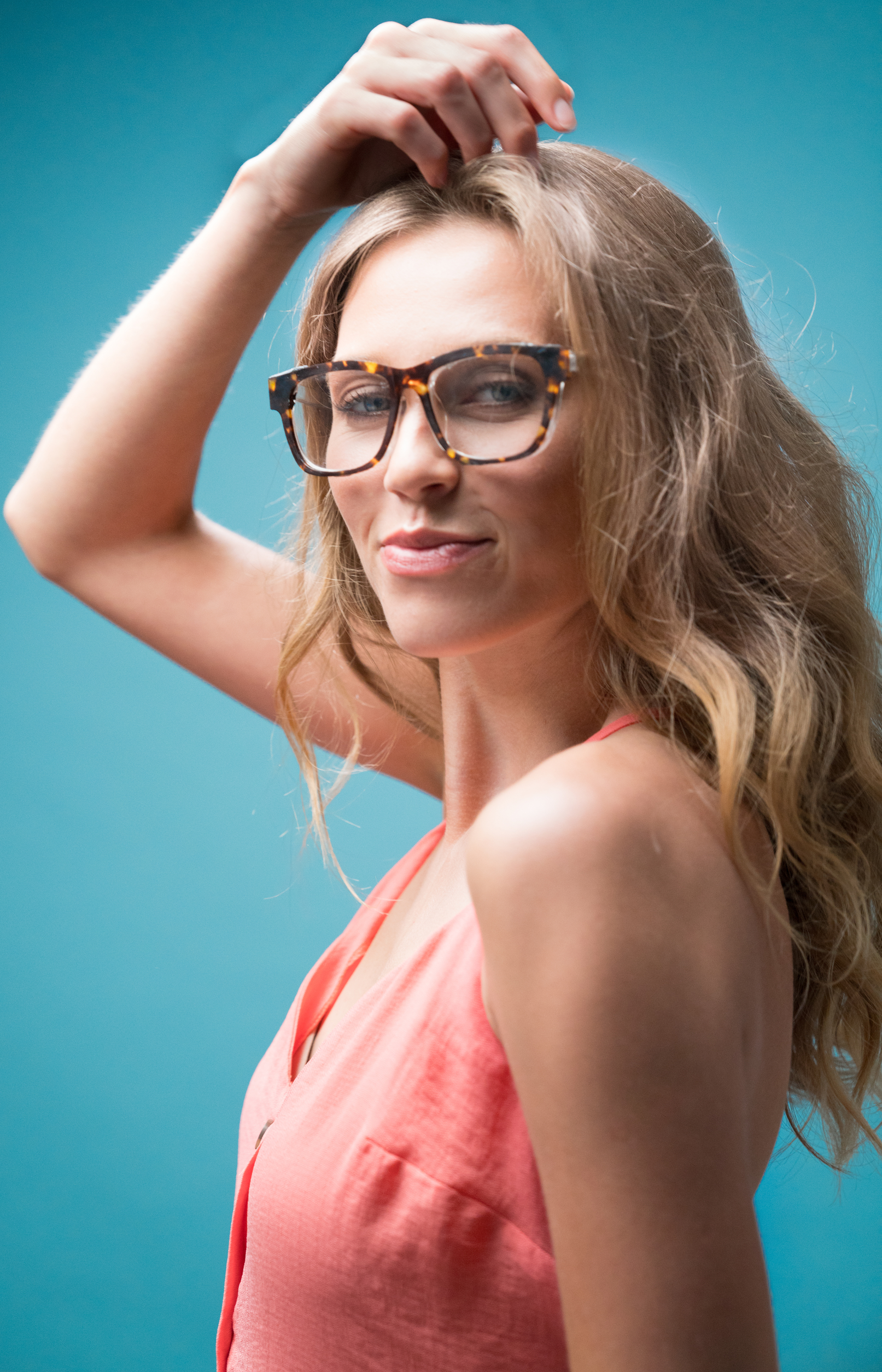Take Control - Gilaasi's patent pending Finetunes are the world's first pair of fashionable glasses that you can adjust between glasses and sunglasses with just a tap of the frame. Tap right for sunglasses, tap left for glasses.Practical and stylish glasses wearers shouldn't have to carry prescription sunglasses to switch into when the sun shines. They also shouldn't have to rely on the alternative of photochromic lenses which are slow to react and offer you no control.With Finetunes you won't have to deal with any of that. You control the transition from glasses to sunglasses with speed and simplicity.Take control today and get notified at launch.