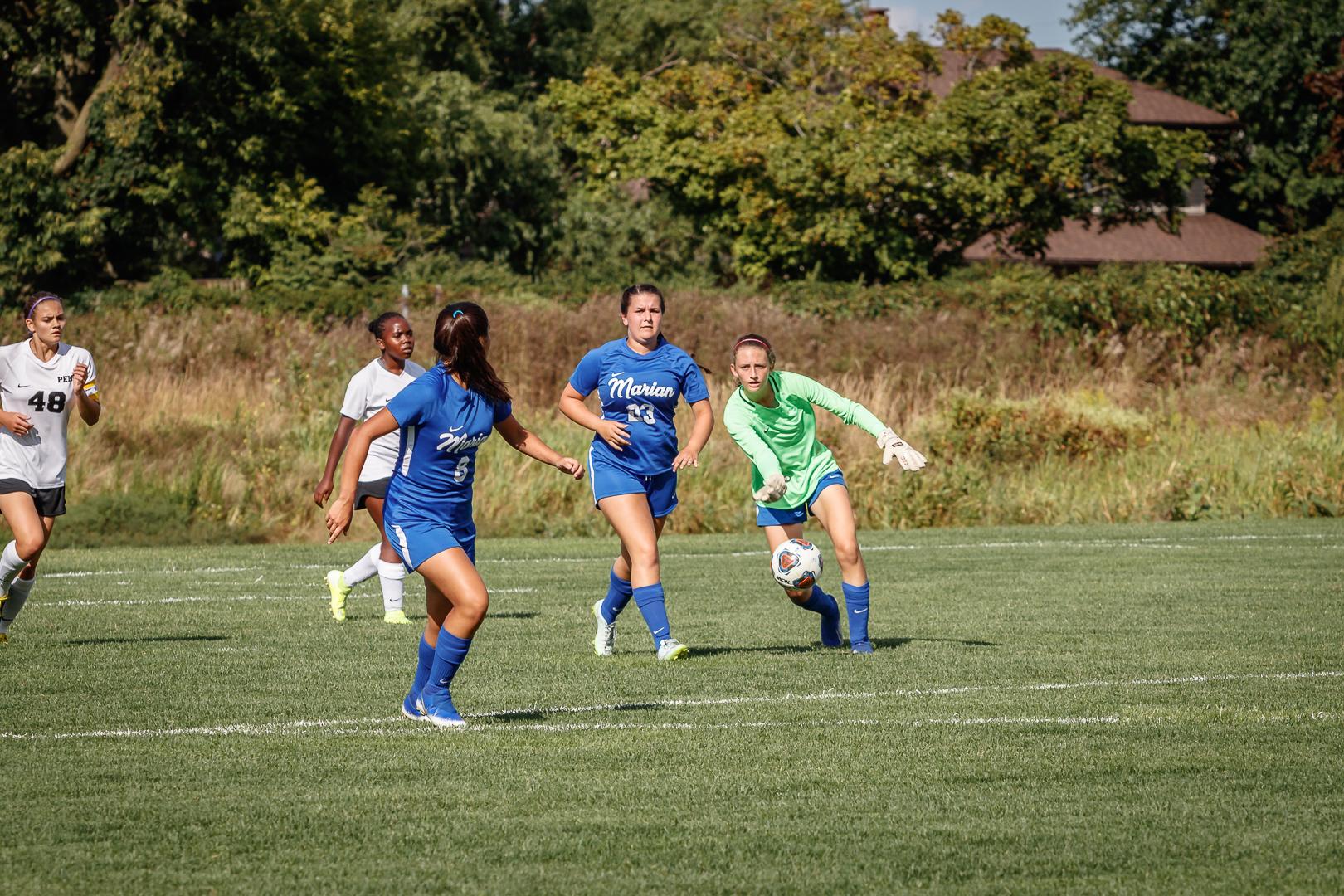 Marian-Girls-Soccer-8333.jpg