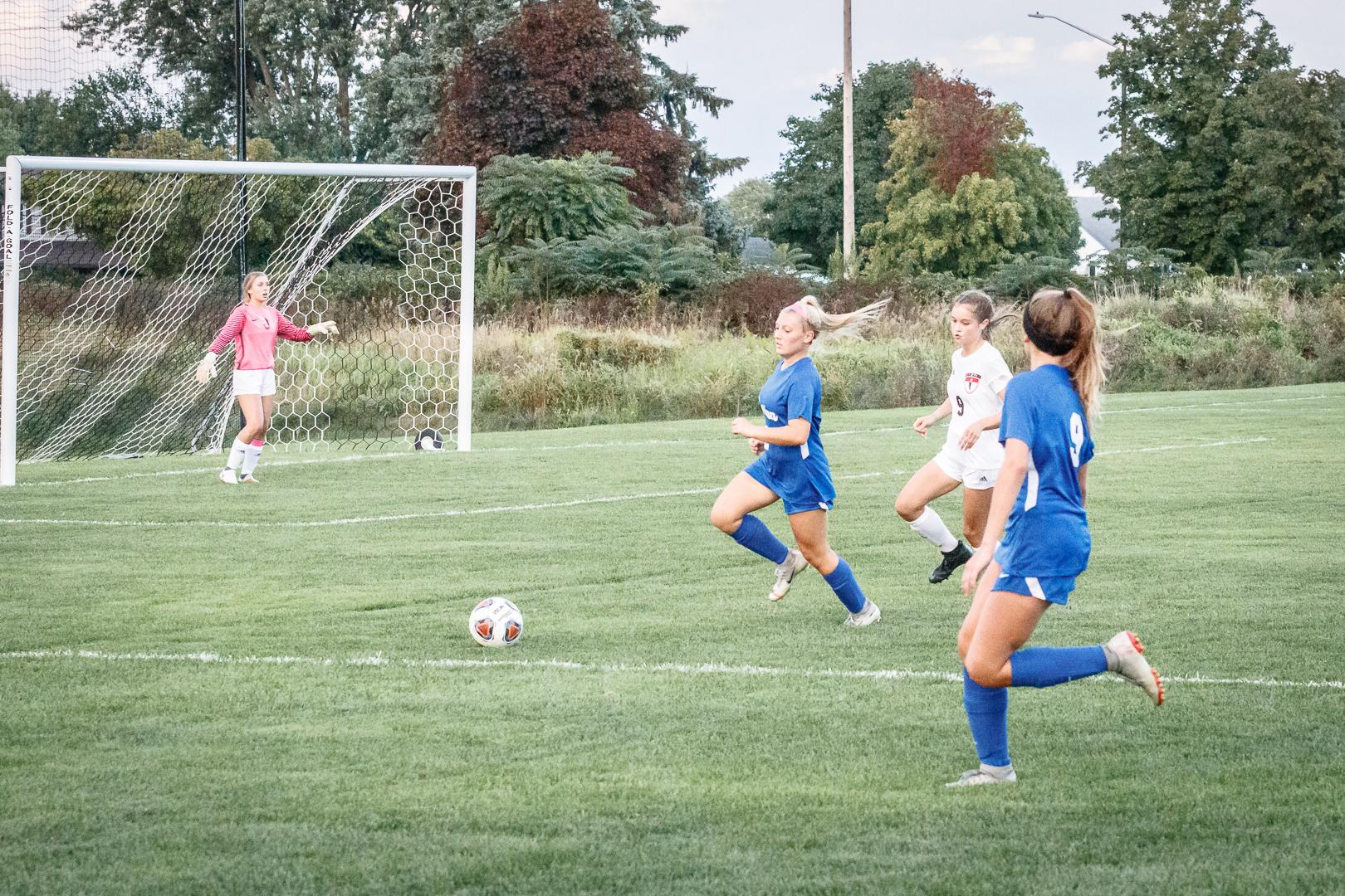 Marian-Girls-Soccer-8851.jpg