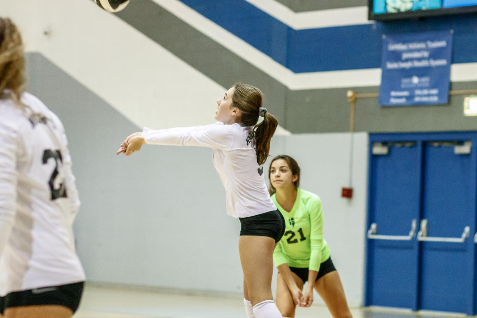 Marian-Volleyball-v-Jimtown-0389.jpg