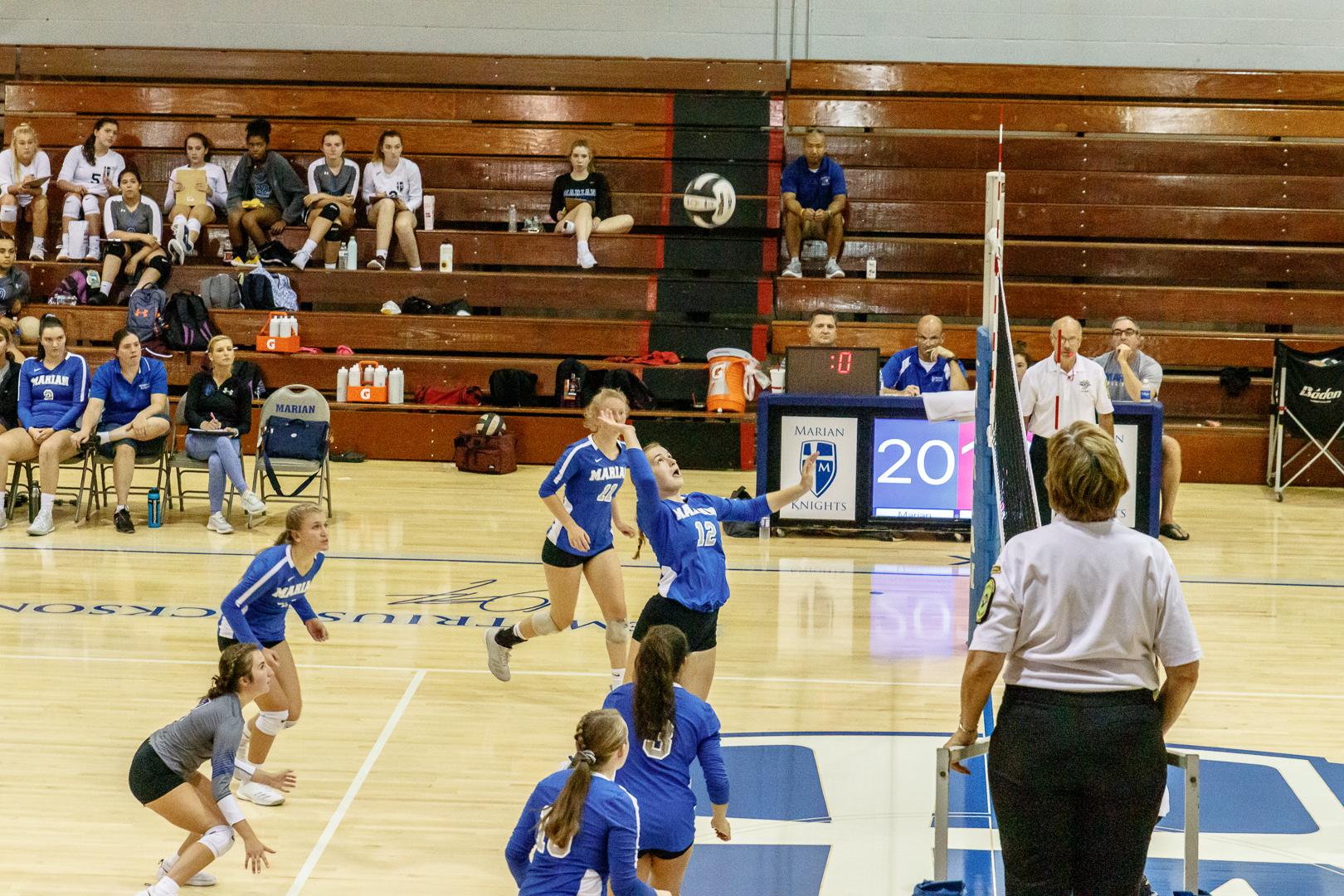 Marian-Volleyball-v-Jimtown-0836.jpg