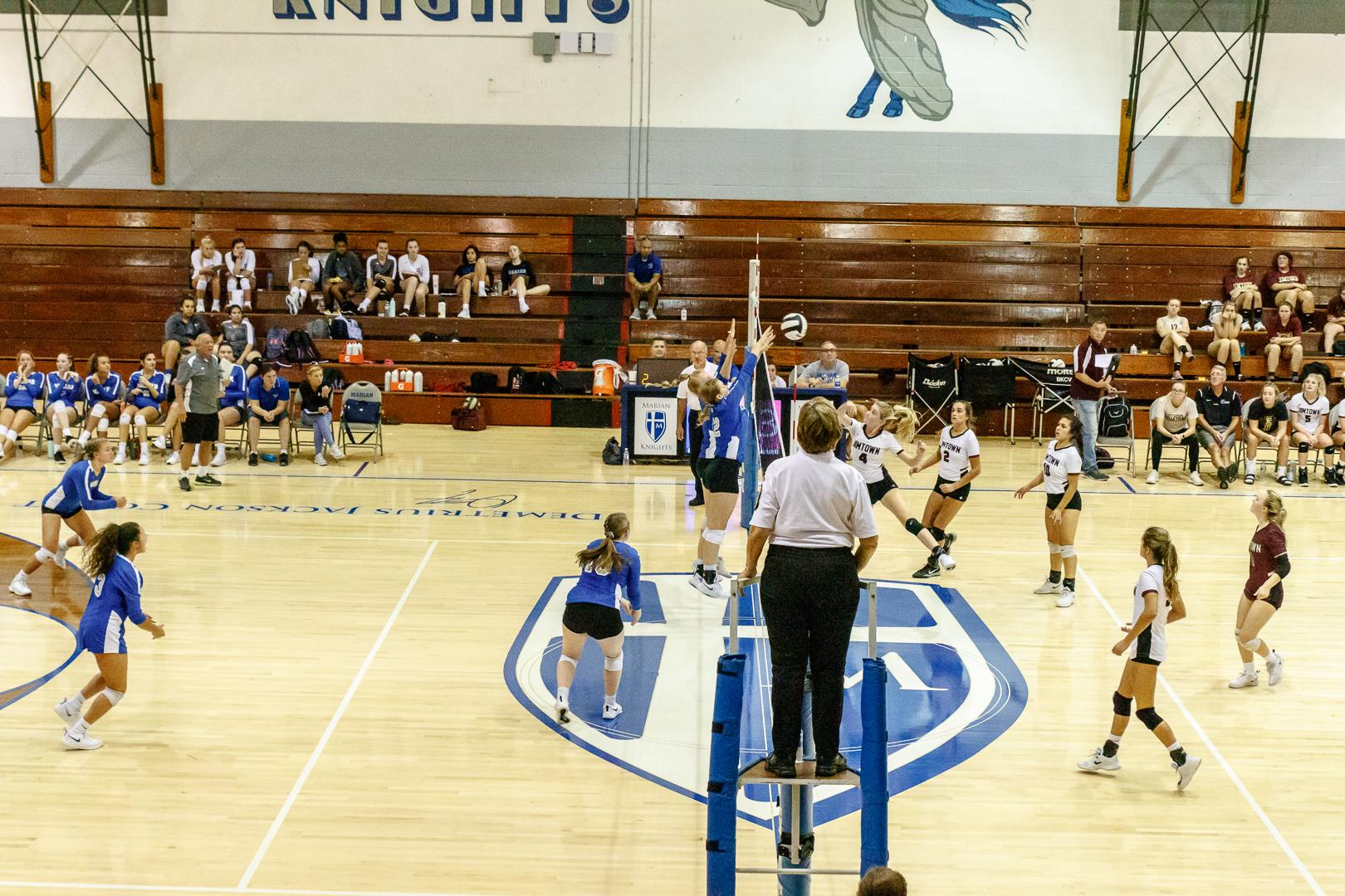 Marian-Volleyball-v-Jimtown-0842.jpg
