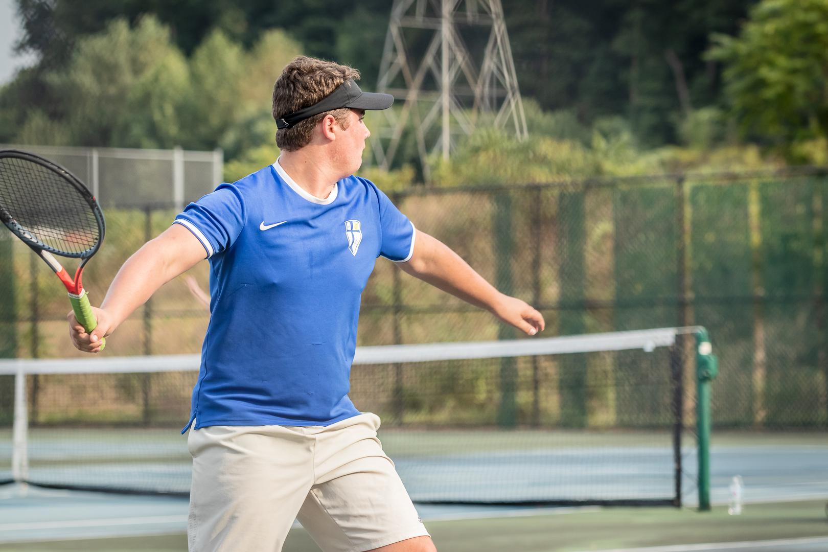 Marian-Boys-Tennis-1700.jpg