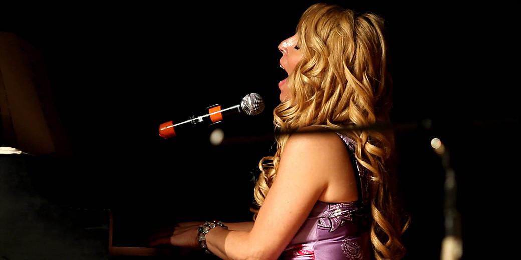 April Kelly Solo Piano Vocal Show