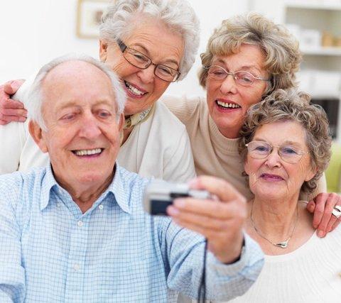 seniors_get_social_t670x470.jpg
