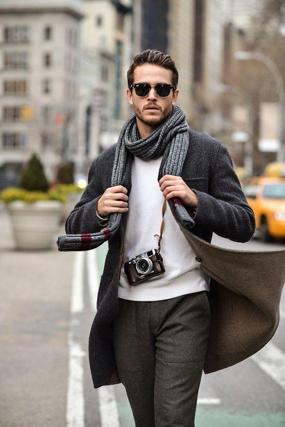 Люксовый мужской шоппинг  Шоппинг для мужчины, как правило - головная боль, трата его времени и сил, а в конечном итоге результат не всегда радует. Поэтому мы разработали специальную шоппинг-программу, где в короткие сроки и максимально легко вы сможете обновить свой гардероб стильными и качественными вещами в зависимости от ваших целей. Деловая одежда, casual, для отдыха, корректировка вашего стиля - все это вам подскажет наш профессионал.