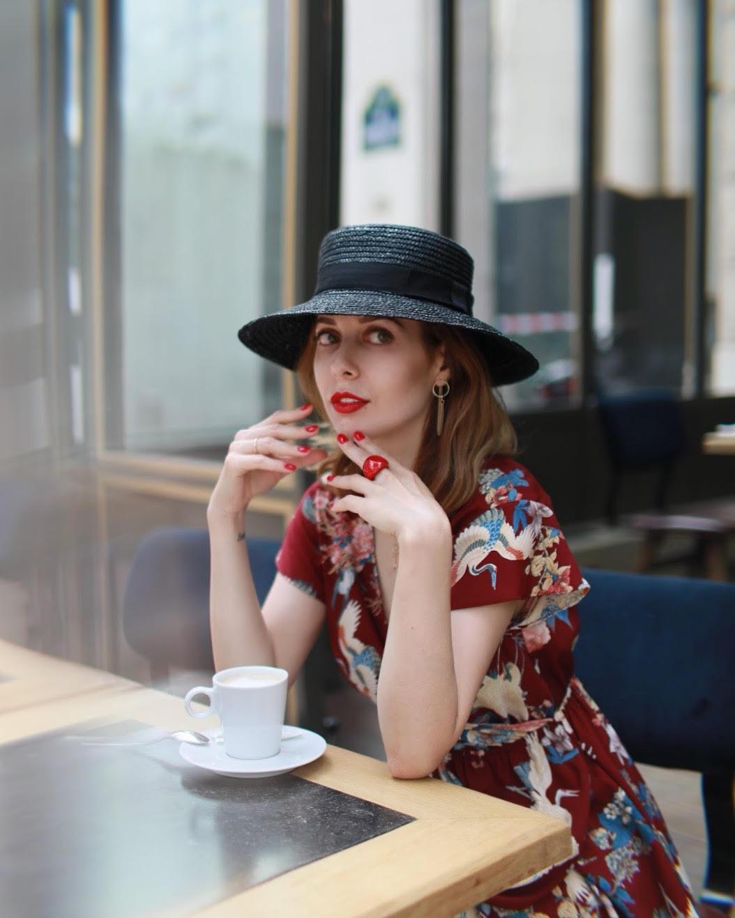 Bonjour! - Je m'appelle Anna et voici le service Enjoy Paris.Nous organisons des séances de photos exclusives pour vous à Paris et proposons des robes incroyables pour cette occasion !Vous aurez tout à la fois - un photographe professionnel, une maquilleuse-coiffeuse et des robes exclusives au choix . Vous pouvez aussi utiliser le service de notre chauffeur d'une voiture de première classe pour pouvoir prendre des photos dans les plus beaux endroits de Paris en une seule photo session.Nous vous montrerons les endroits photogéniques pour les séances photo et optimiserons le parcours.C'est très pratique - nous nous chargeons de toute l'organisation !Pour réserver la date et l'heure, écrivez-moi à anna.enjoyparis@gmail.com