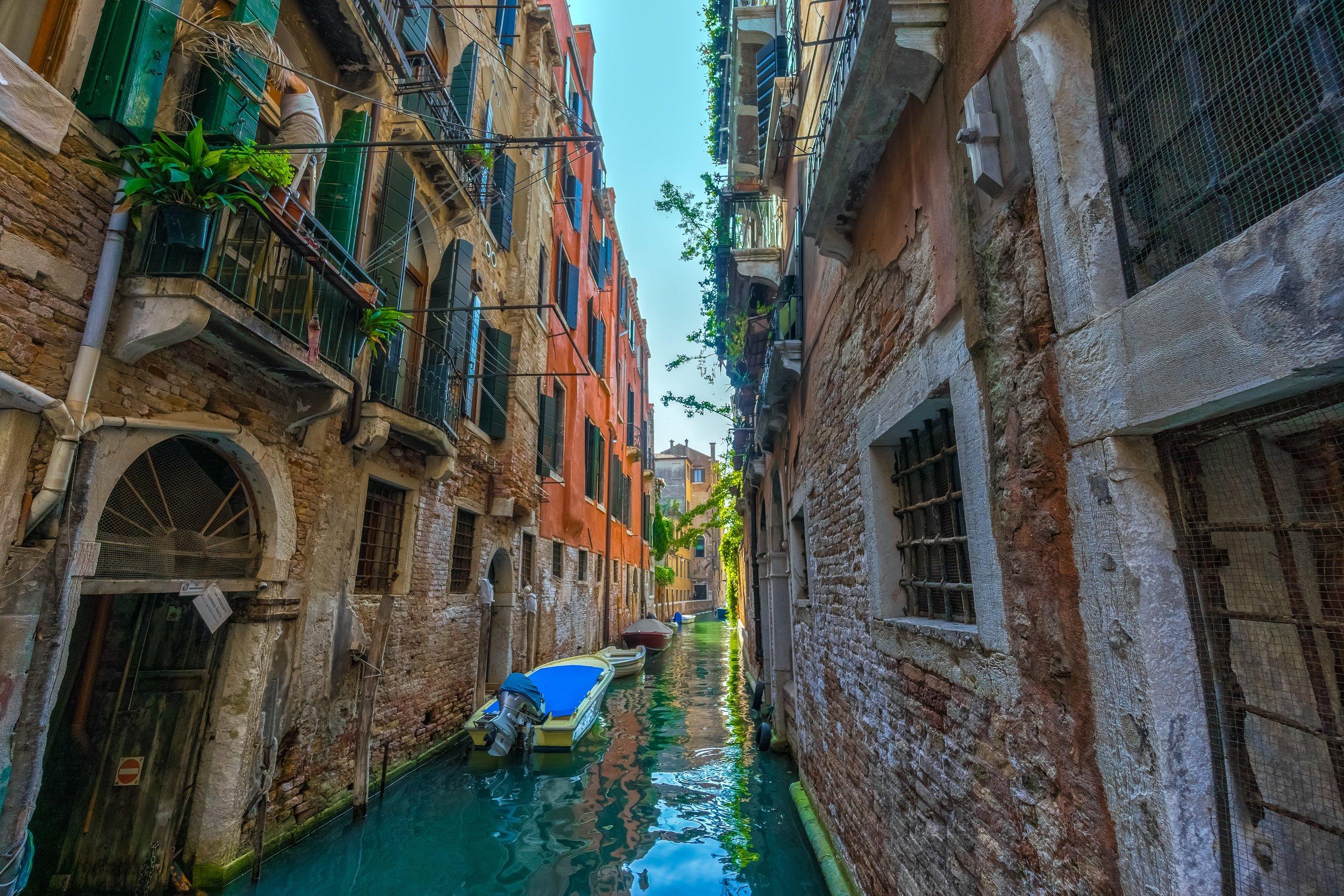adventure-ancient-architecture-227417.jpg