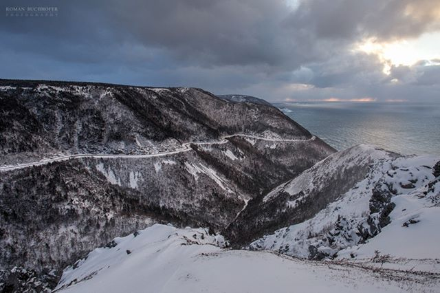 The Skyline Trail is the most visited trail on Cape Breton. I find it is  even more spectacular in the winter. Not much snow on it right now, but there is some heavy snowfall in the forecast. Could be the last chance to see this :) . . . . . . #SkylineTrail #explorecbwinter #visitnovascotia #imagesofcanada #ThankYouCanada #Canada_PhotoLovers  #lifeincanada# #CanadaOnline @visitcapebretonisland
