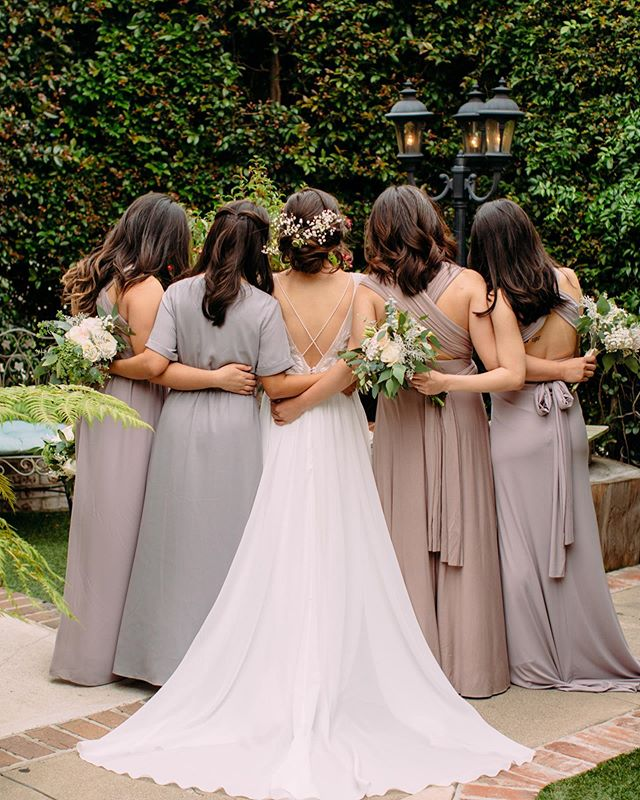 Joanne and her bridesmaids looking beautiful for their photos in our garden before the ceremony! 😍 #bridesmaids #ocweddingvenue #chapeloforange picture @ashleypaigephoto florist @oceanicflowers