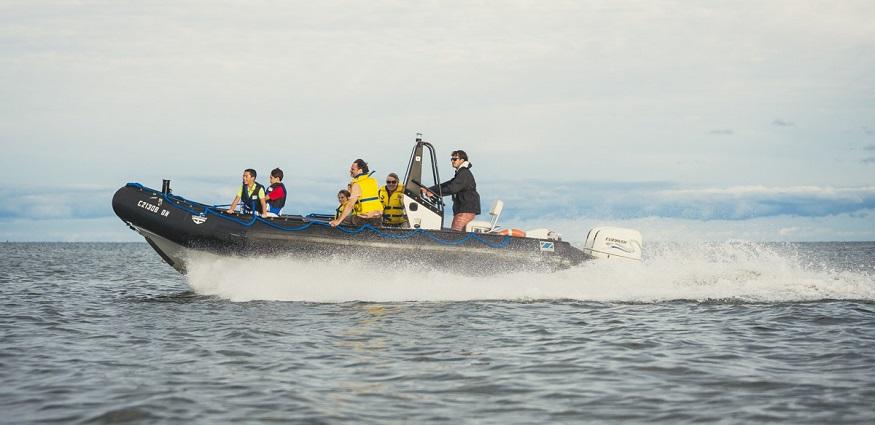 family_boating.jpg