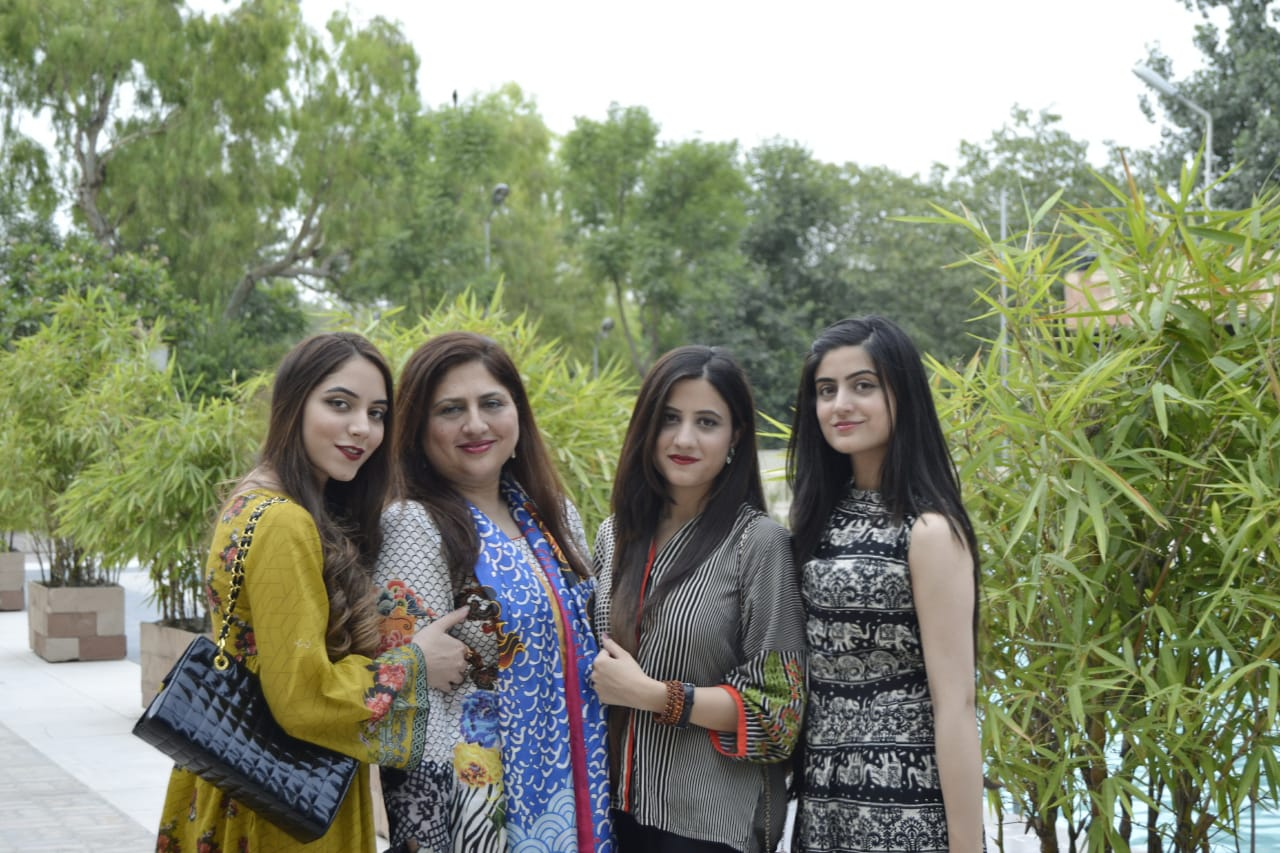Sonia with her mother and sisters. (Courtesy of Sonia Nasir)