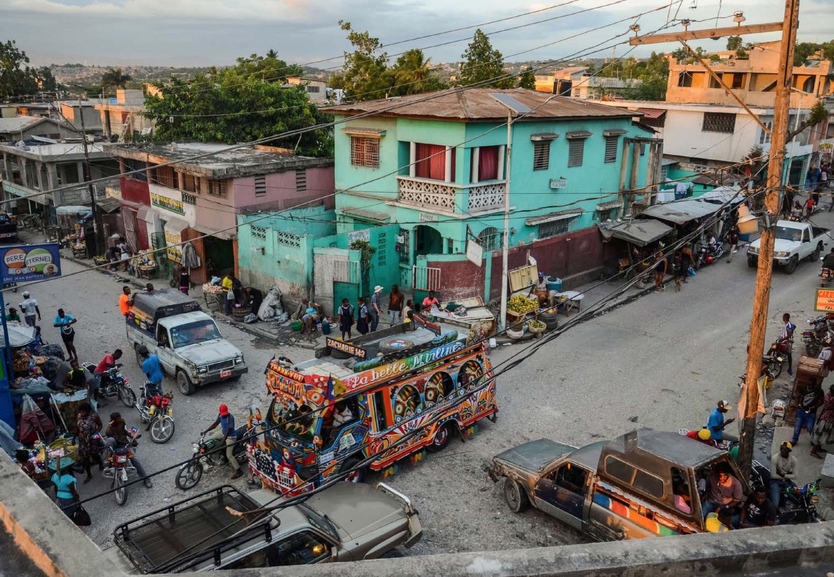 Image of the Carrefour Feuilles neighbourhood of Port-au-Prince. (Courtesy of Phalonne Pierre Louis / FotoKonbit)