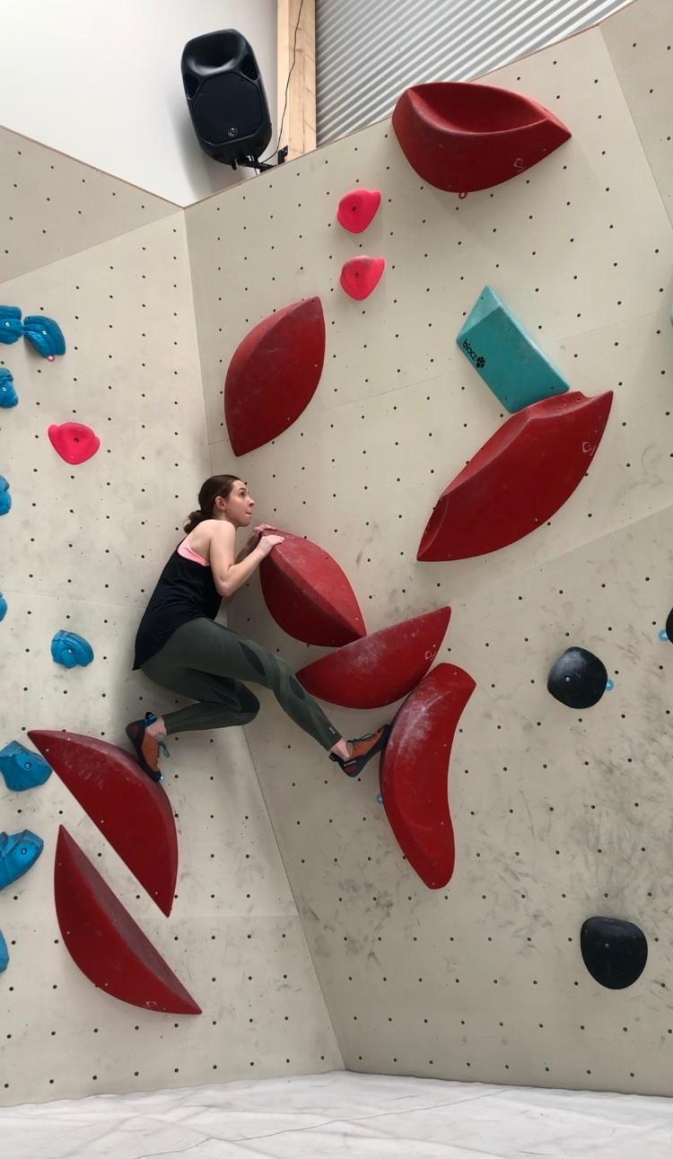 Charlotte+bouldering.jpg