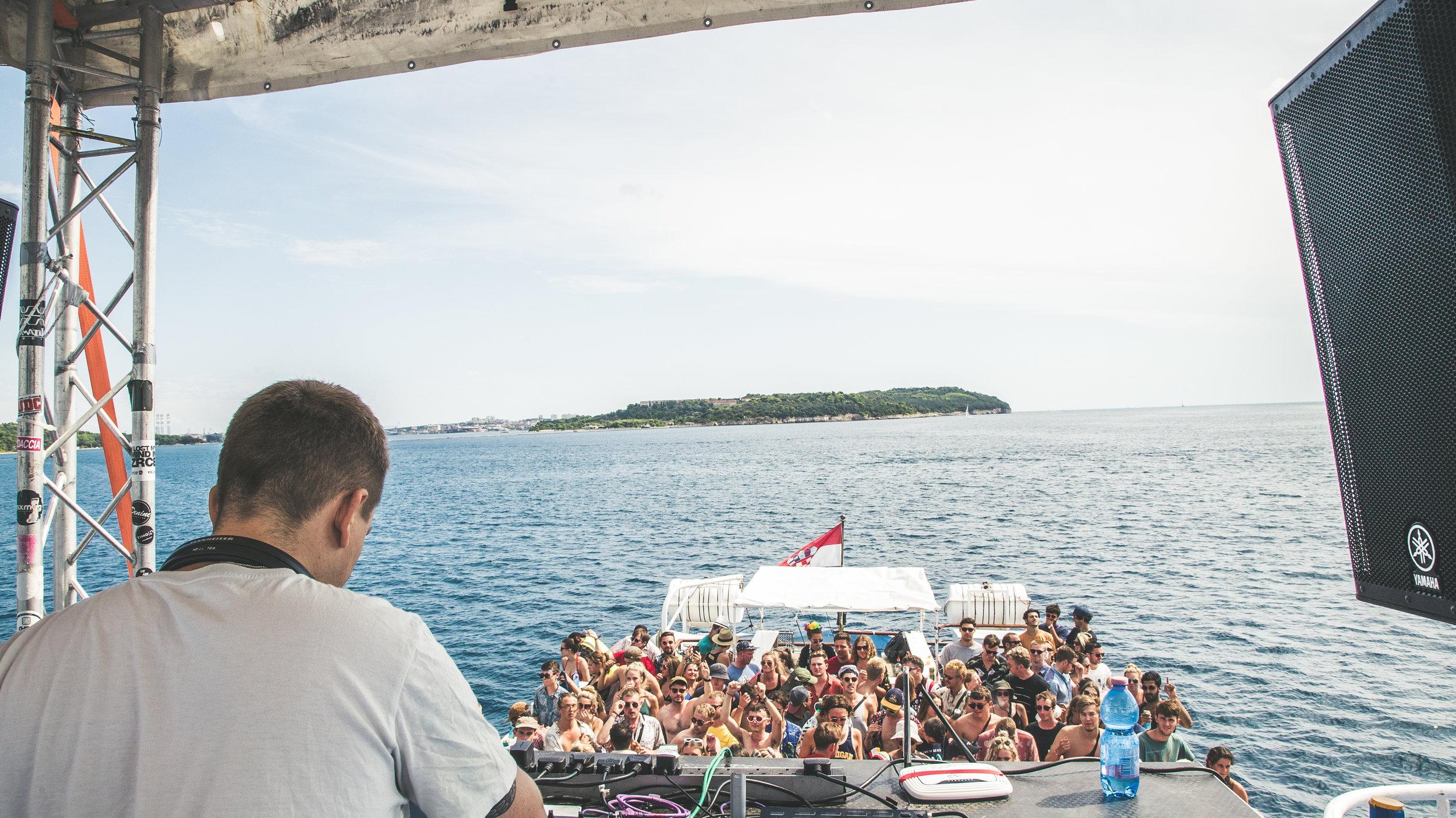 Sunday Hessle Audio boat party-5.jpg