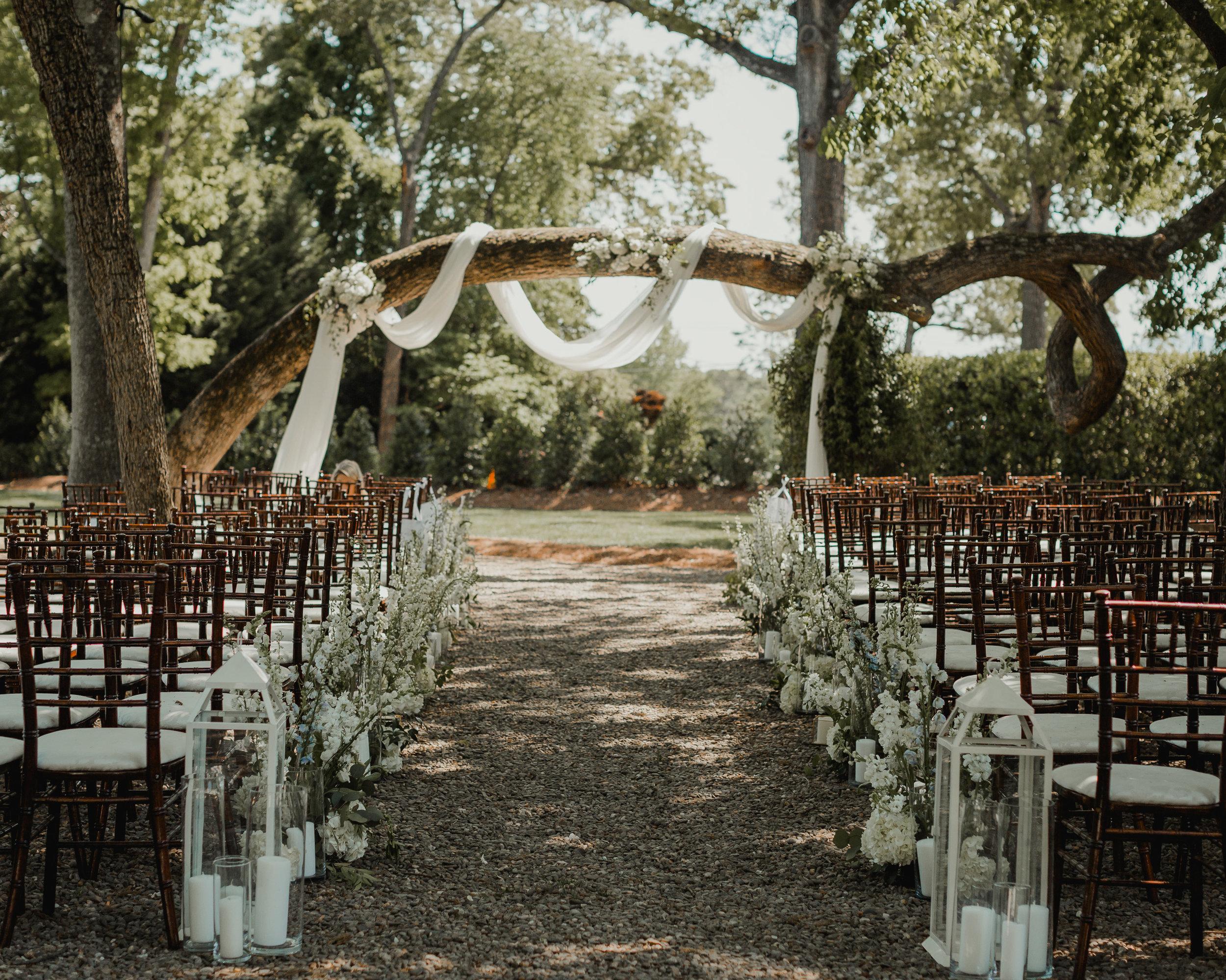 Modern garden wedding CLT whitehead manor 22.jpg