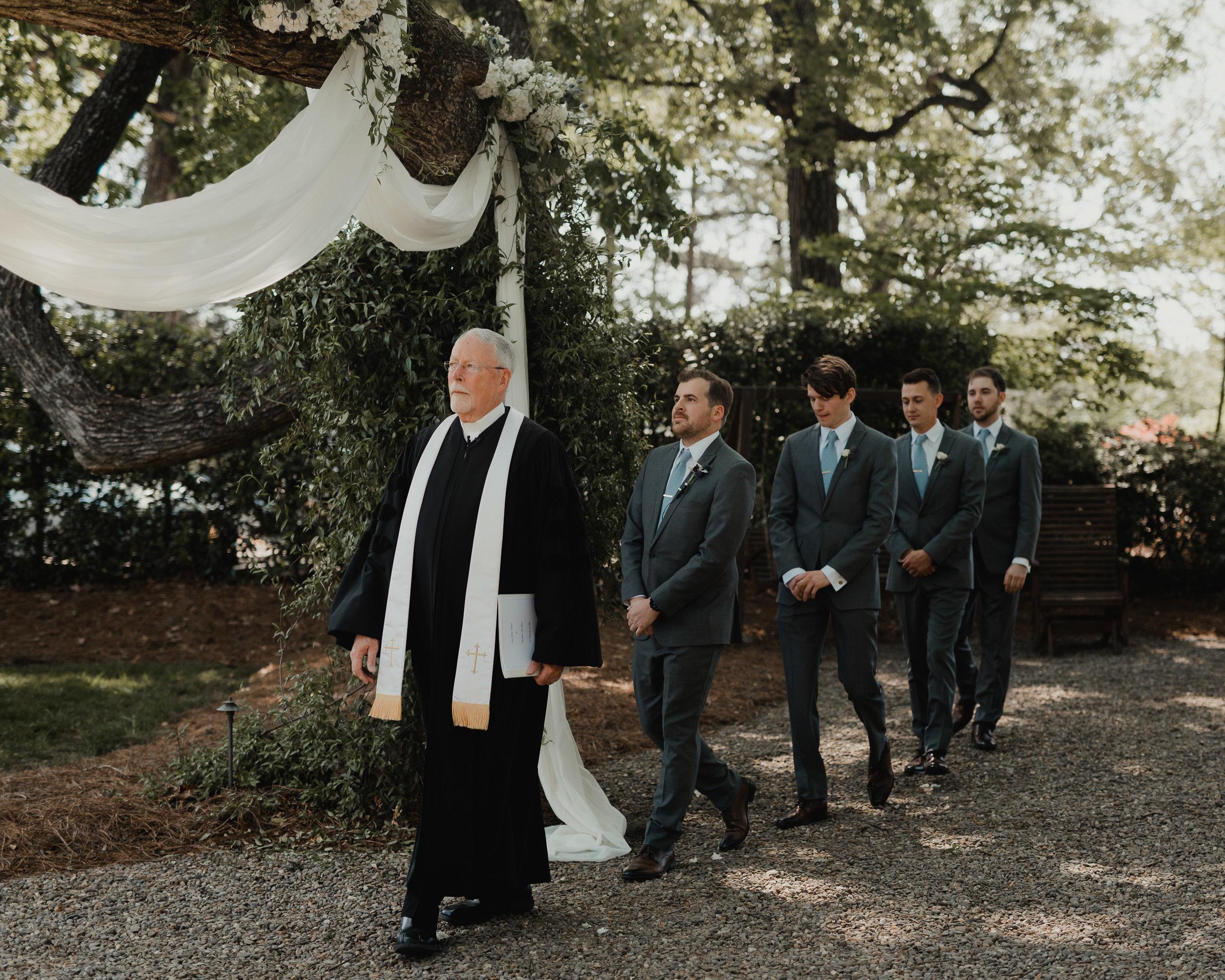 Modern garden wedding CLT whitehead manor 26.jpg