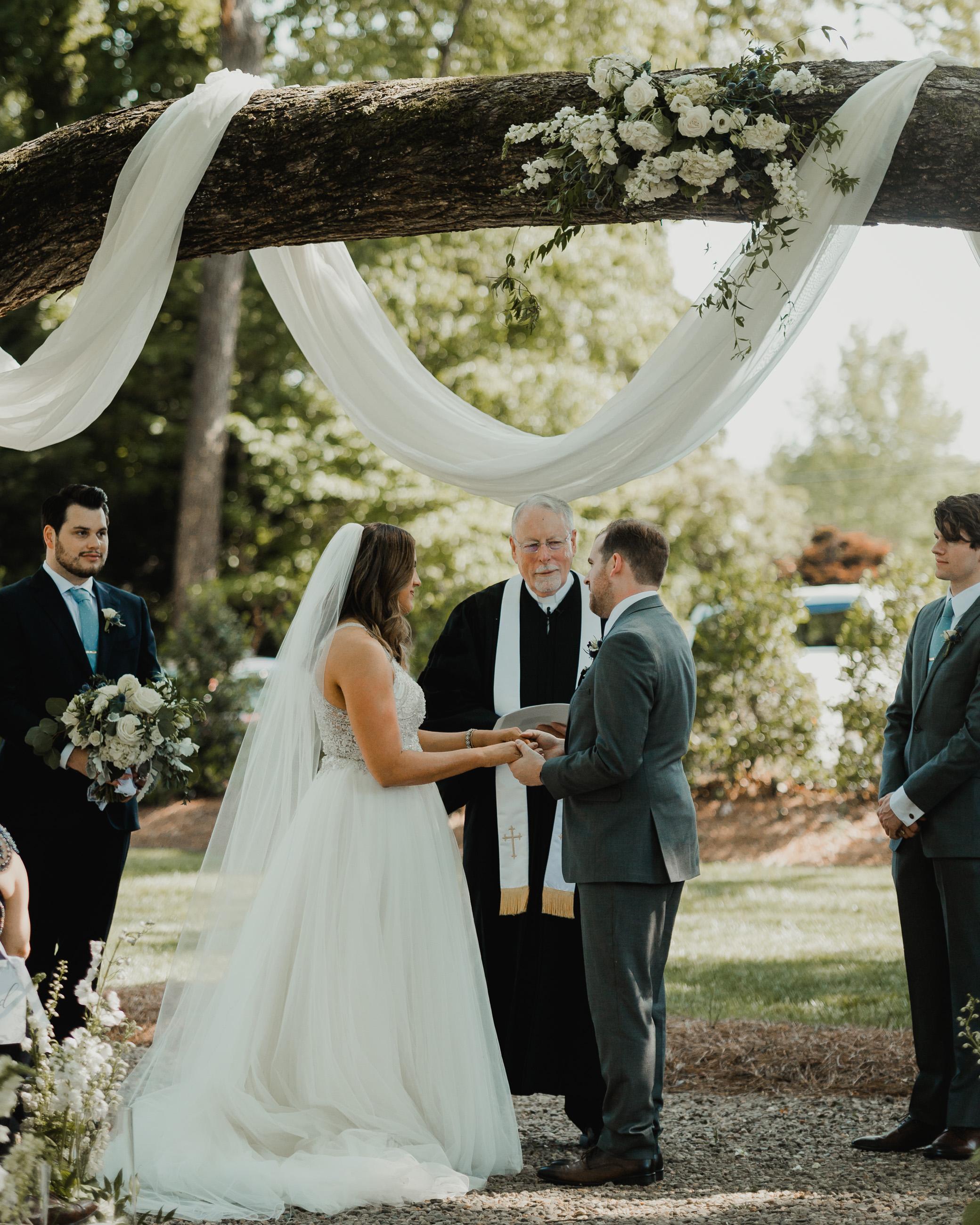 Modern garden wedding CLT whitehead manor 29.jpg