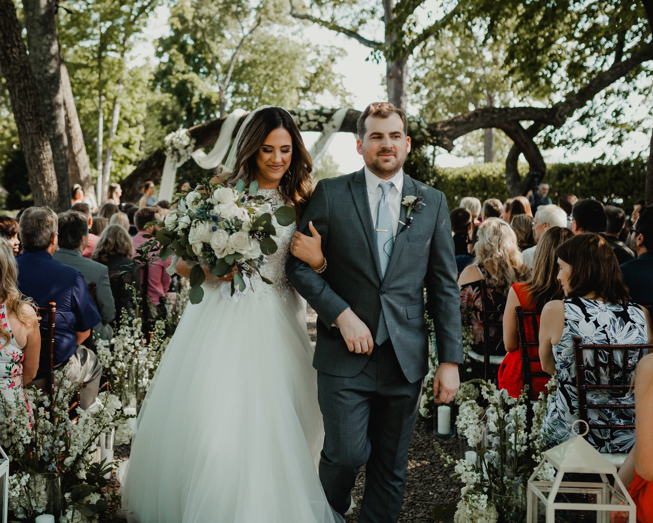 Modern garden wedding CLT whitehead manor 32.jpg
