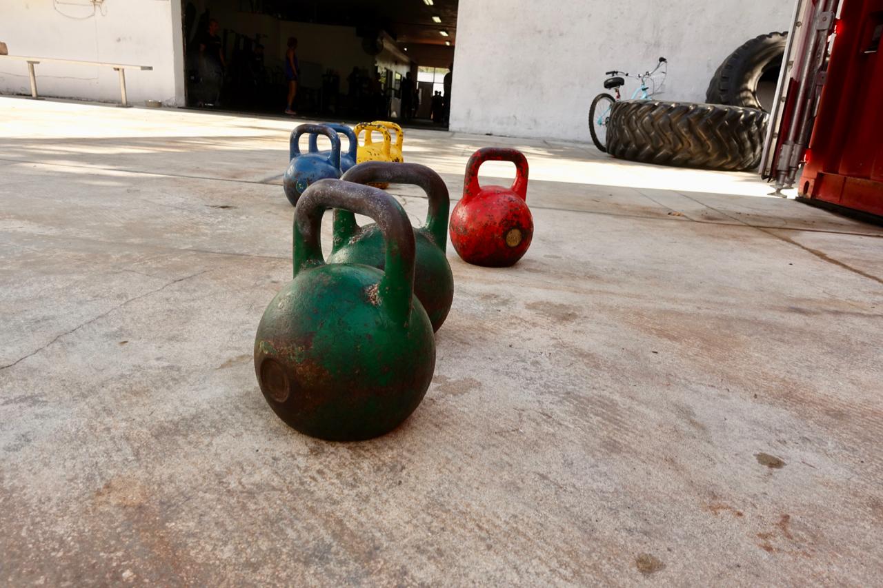 Kettlebells eignen sich perfekt für ein schnelles Zirkeltraining zwischendurch