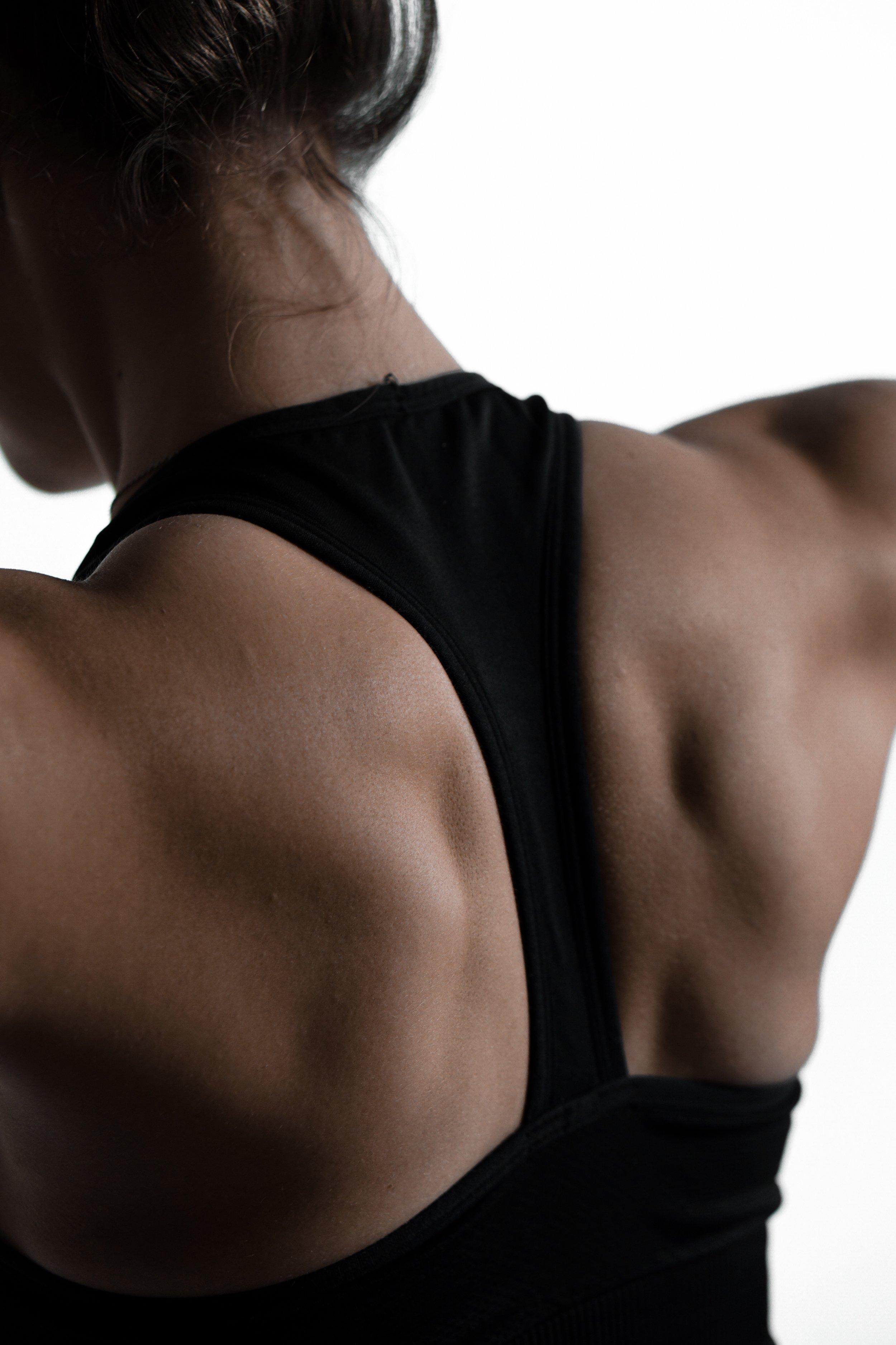 Training der Rückenmuskulatur beugt Nackenverspannungen vor.