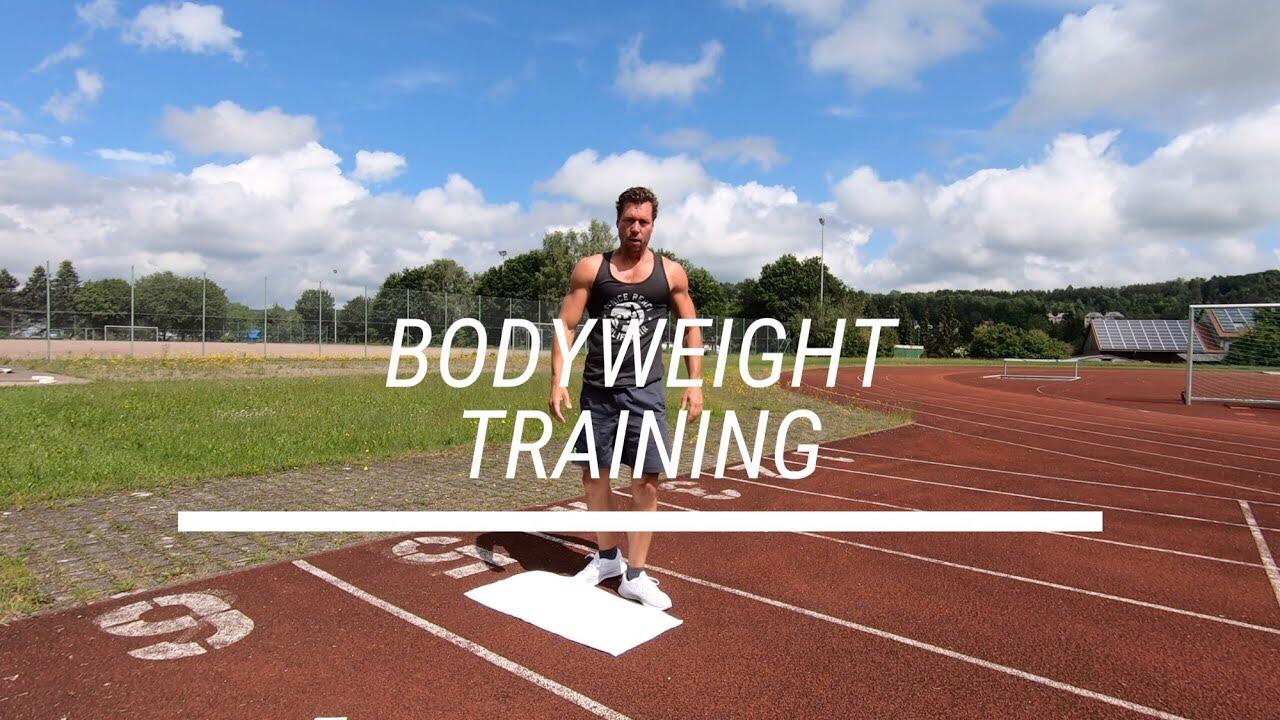 Kartenspiel! - Ziel: Bodyweight Ganzkörper TrainingLevel: Ab EinsteigerDauer: 20 - 35 min.Trainingsgerät: 1 Kartenspiel :)