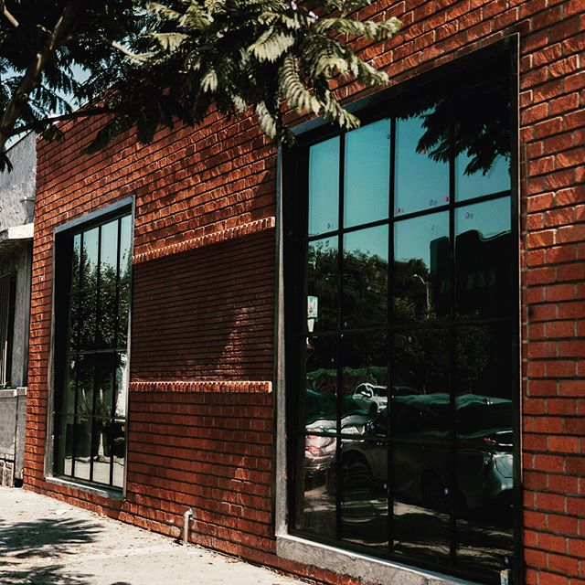 Check out our latest delivery in West Adams! In love with these custom-designed industrial steel windows. . . . . #realestate #losangeles #westadams #brick #steel #windows #custom #industrialchic #photography
