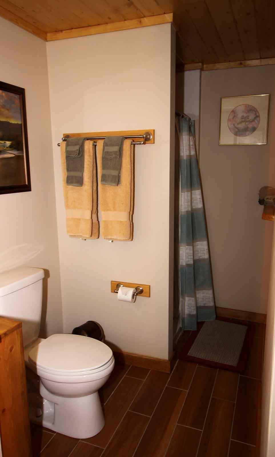 giverny_bathroom_web.jpg
