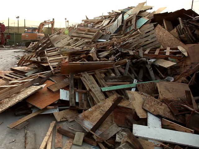 Clean Timber - Pallets, Fencing, Gates, Boards, Joists, BatonsTh following waste cannot be accepted:Batteries, Gas Bottles, Tyres, Oilsm Asbestos, Tvs and Monitors, Fluorescnt Tubes & fridges. All Plaster Boards & Gypsum Products must be seggregated
