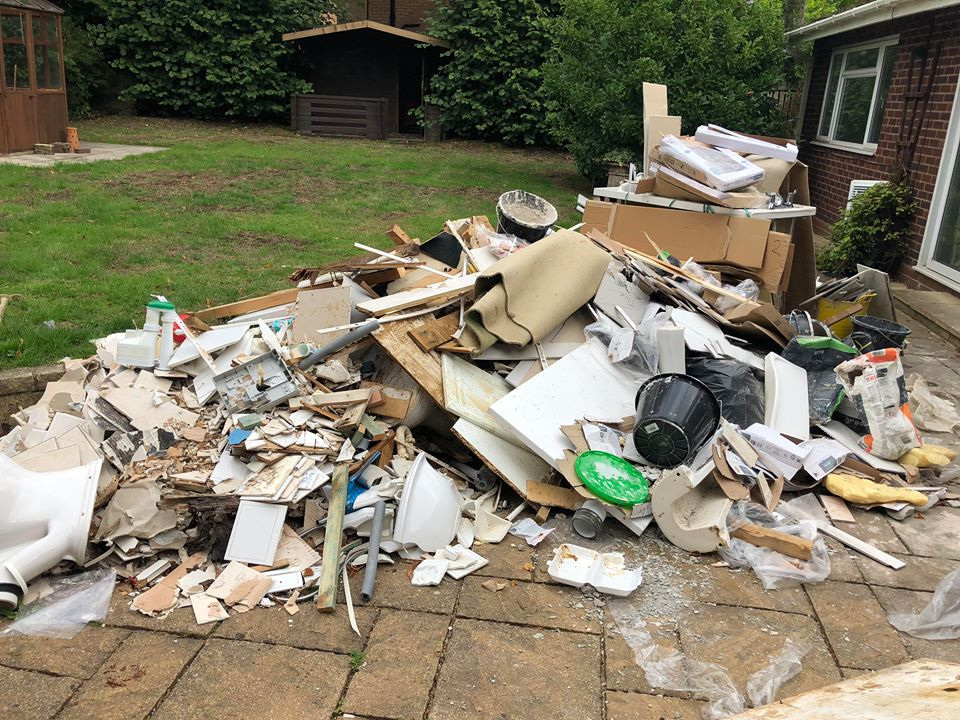 Mixed General Waste - Plastics, Timber, Metal, CardboardTh following waste cannot be accepted:Batteries, Gas Bottles, Tyres, Oilsm Asbestos, Tvs and Monitors, Fluorescnt Tubes & fridges. All Plaster Boards & Gypsum Products must be seggregated